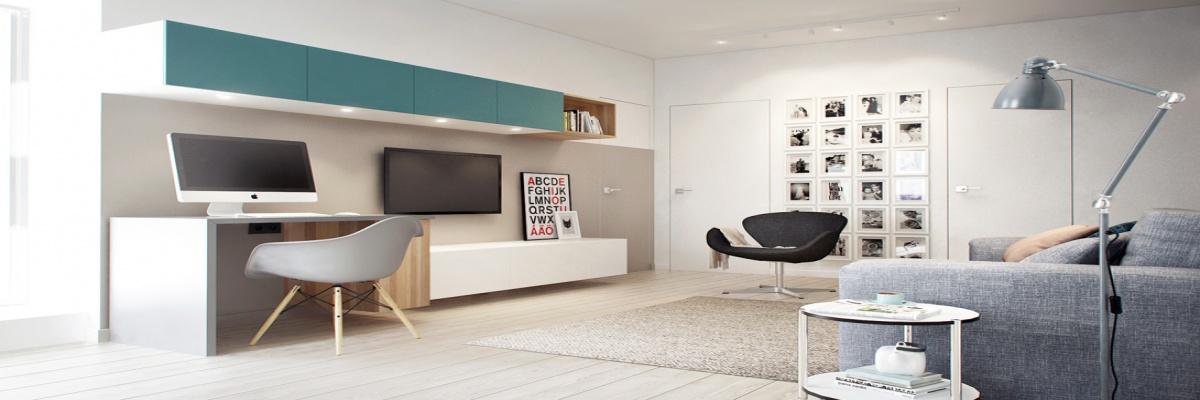 Chambre avec lit double et bureau (exemple de description de l'image)